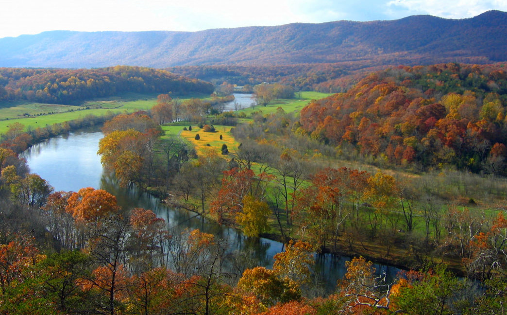 Head for the 1,600-acre Shenandoah River State Park in Bentonville along the Daughter of the Stars Loop.